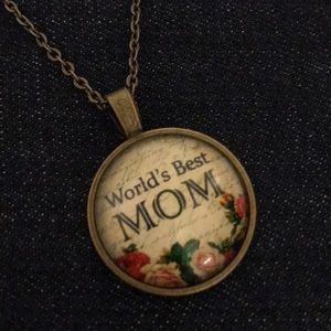 """World's Best Mom"" Necklace"